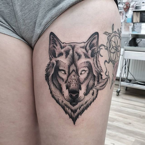 wolf tattoo.png